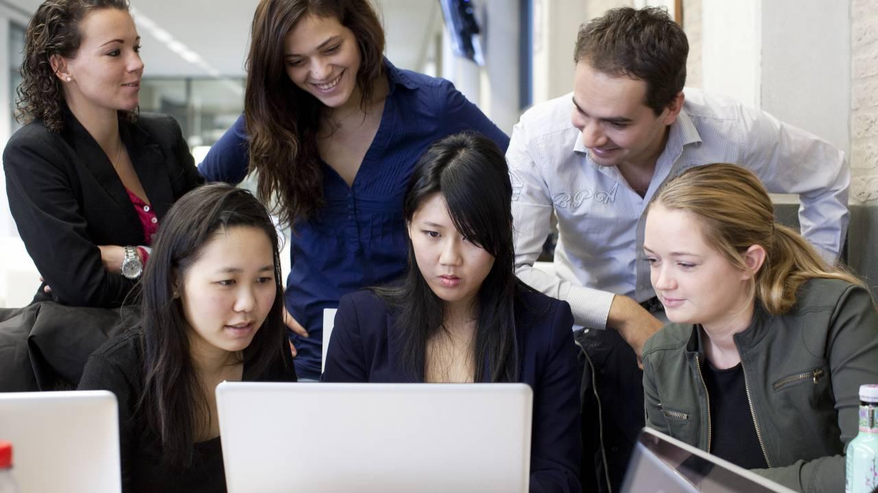 Don't meet the admission requirements? | Erasmus University Rotterdam